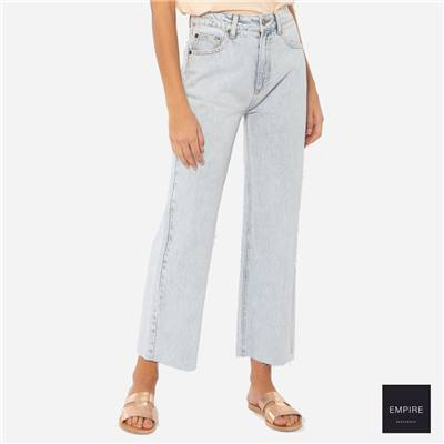 AMUSE SOCIETY GABI CROP FLARE WVN DENIM PANT - Sunfade Wash
